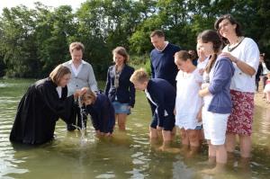 Einladung zum Gottesdienst mit Taufen am Kaarster See